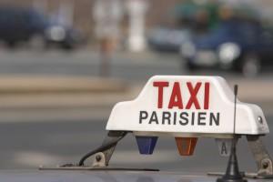 Caos-en-Paris-por-la-huelga-de-taxistas-contra-las-licencias-VTC