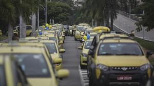 protesta-taxistas-Uber-Rio-Janeiro_EDIIMA20160401_0635_4
