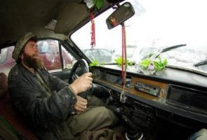 taxista-kabul-afganistan-295x200